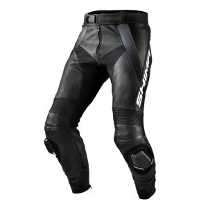 STR_BLACK_PANTS_FRONT